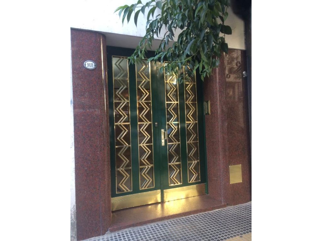 Venta 3 Ambientes Divisible / Apto Prof. - Av Córdoba