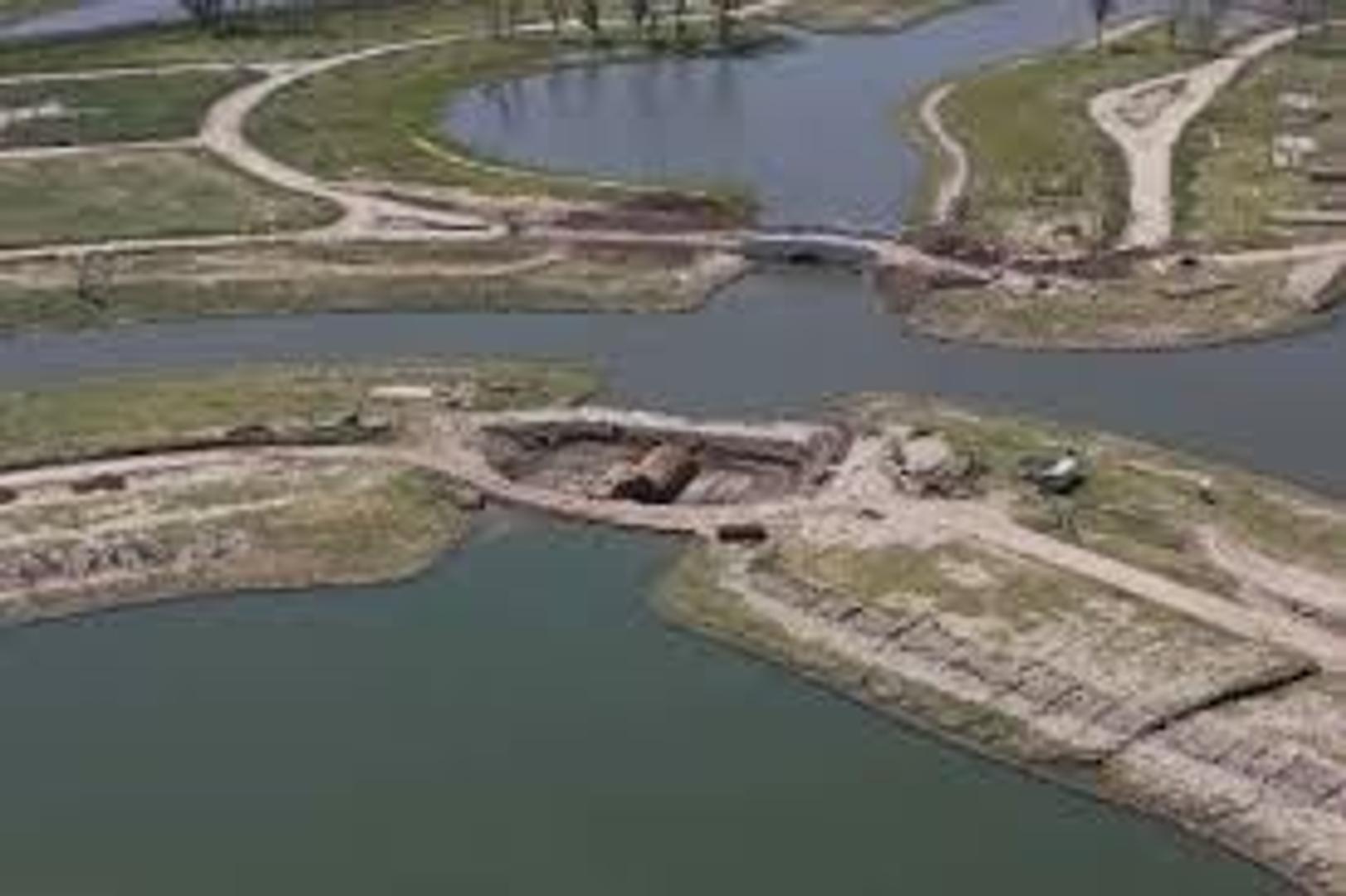 Ciudad Pueblo Puertos del Lago - Acacias - LOTE AL AGUA 870 M2