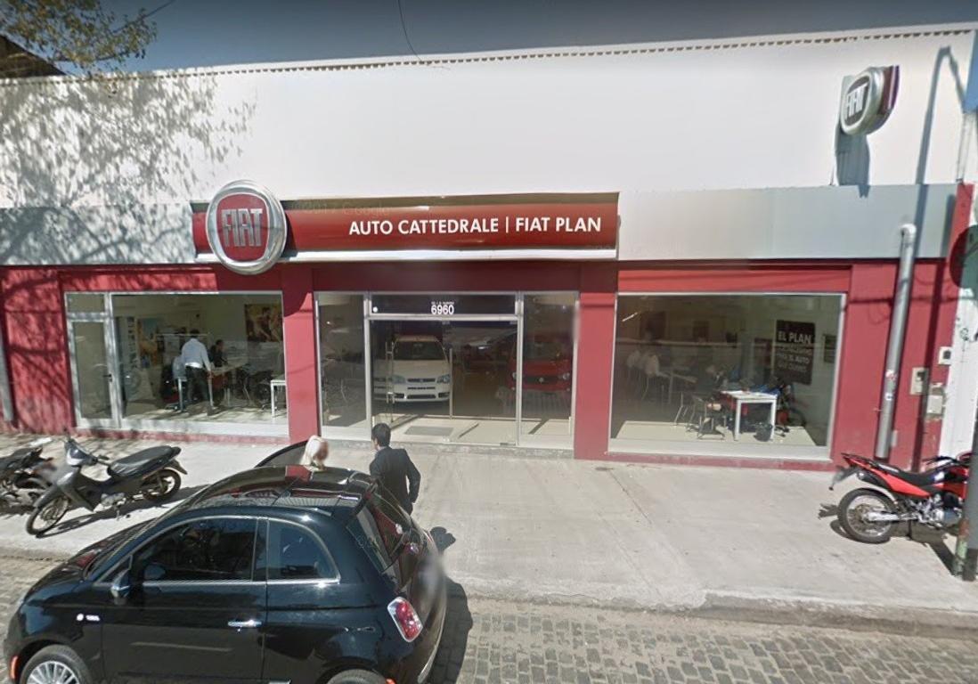 Local a la calle Sobre Av Alberdi 6900 Excelente ubicacion