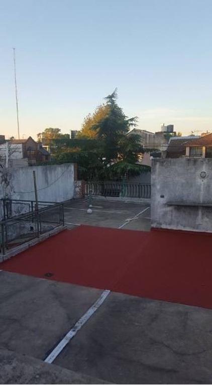 Regia casa Lote propio 8.66x22 ideal 2 familias! Cochera, Gran Terraza, Posibilidad de construir!!