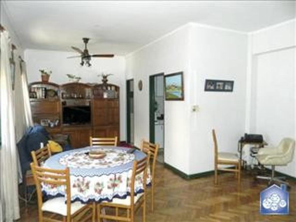 Departamento tipo casa en Venta de 4 ambientes en Capital Federal, Chacarita