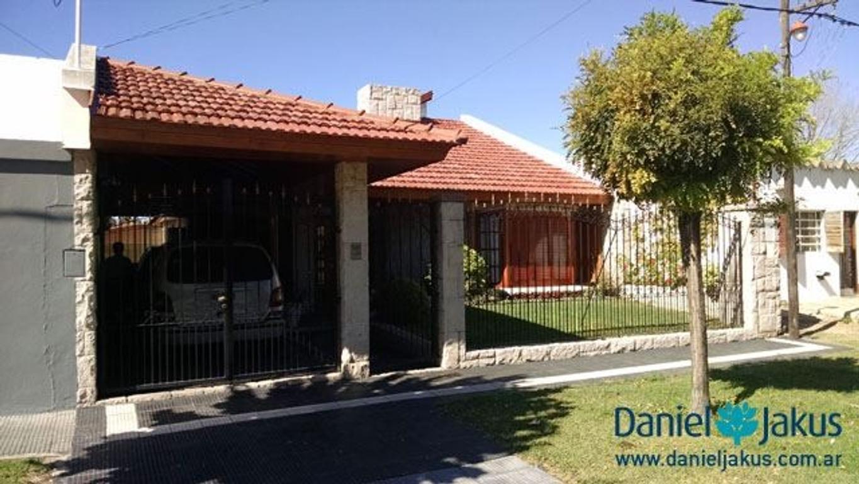 Casa en venta ubicada en calle 522 entre 10 y 11, La Plata, Daniel Jakus Propiedades