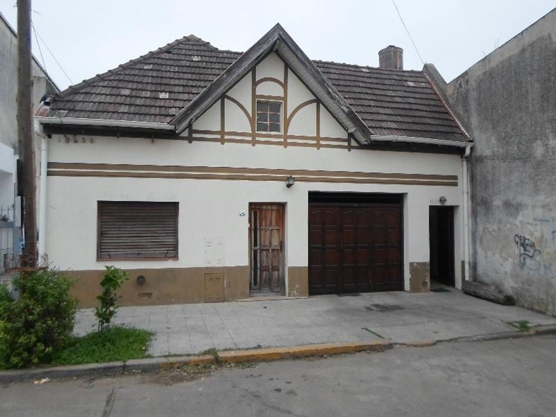 Venta casa Barrio Parque Bernal