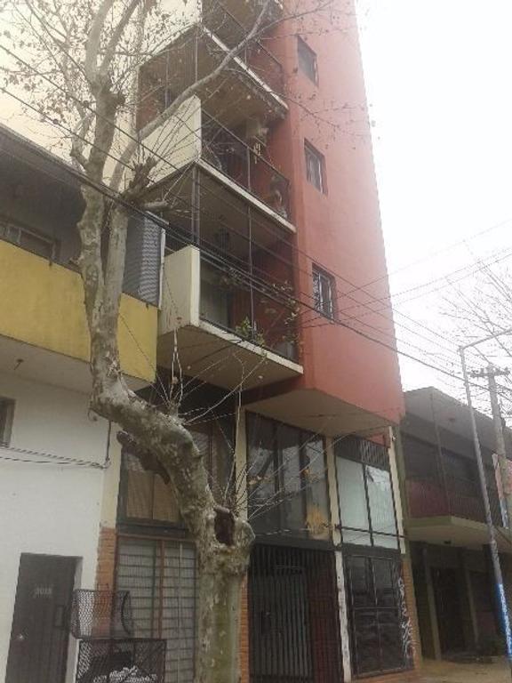 VENDE DEPTO DE 3 AMB. A  MTS DE ESTACION SAN ANDRES