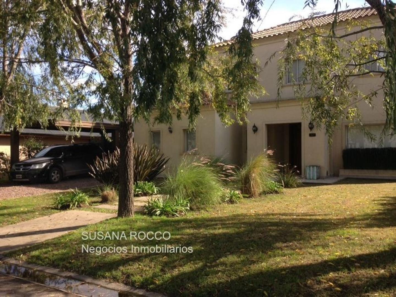 Impecable casa en venta en La Montura.
