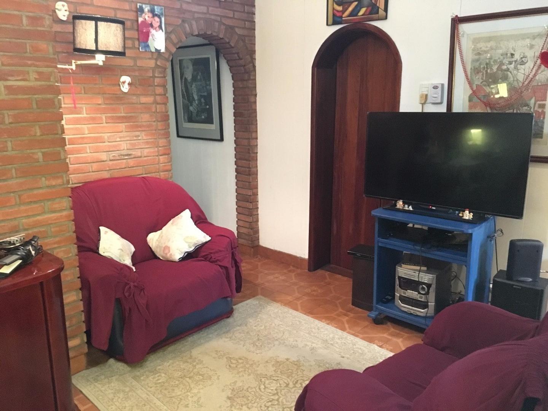 Casa PH con 2 dormitorios, pileta y fondo libre  - APTO CREDITO