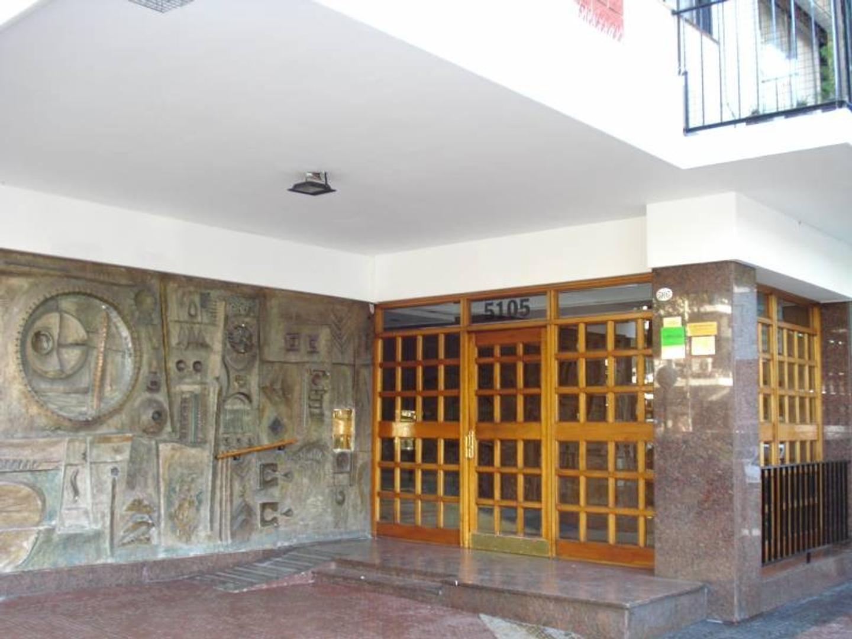 Departamento 4 ambientes con cochera en zona céntrica de Villa Urquiza.