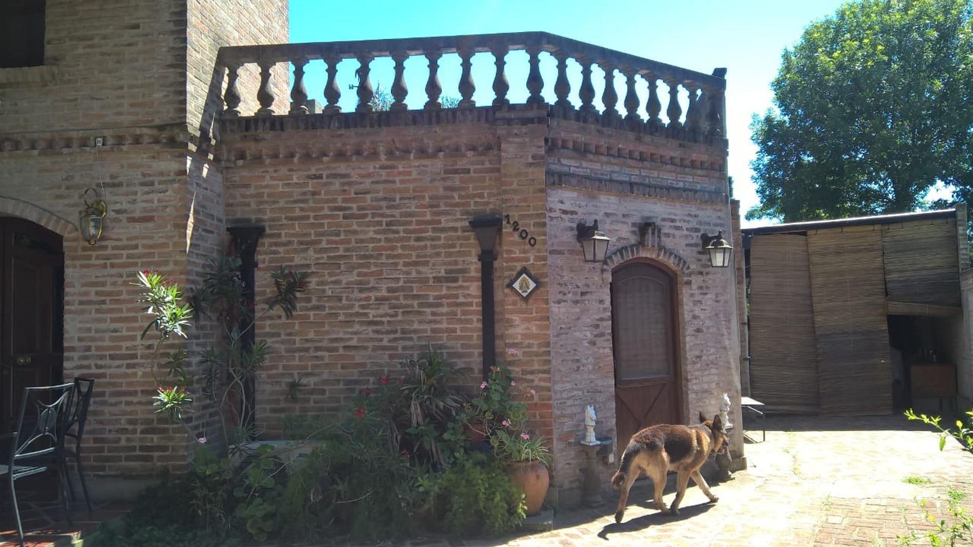 Chalet Villa Rosa.  Cod: 10792  - 6 ambientes
