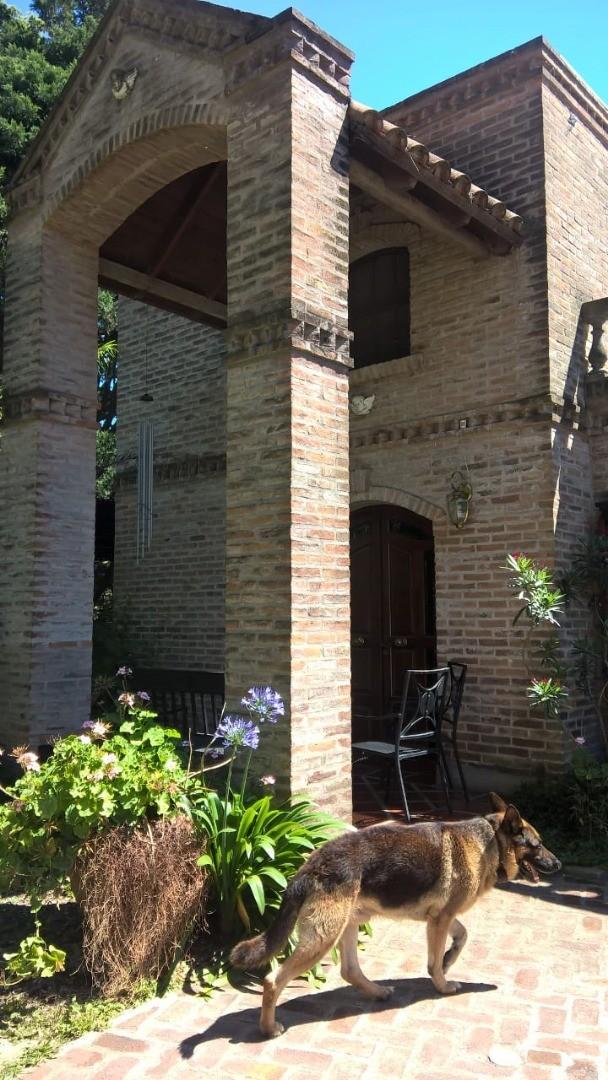 Casa en Venta - 6 ambientes - USD 300.000
