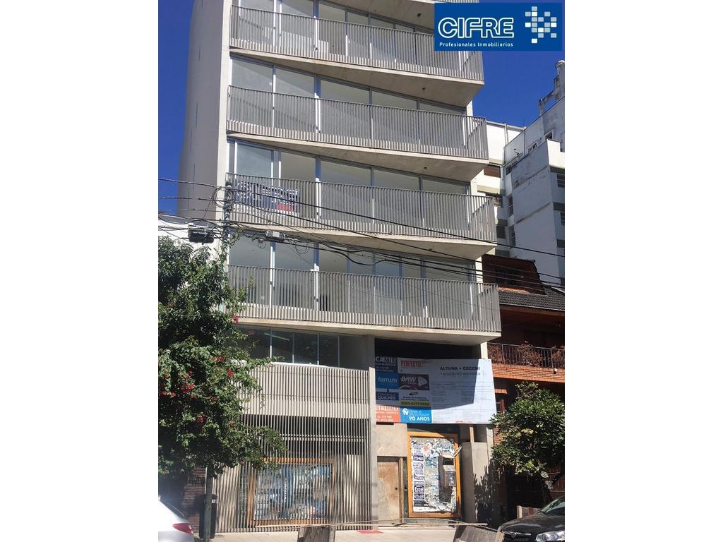 Monoambiente divisible con balcon al frente. Cocina separada ( Suc.Urquiza 4521-3333 )