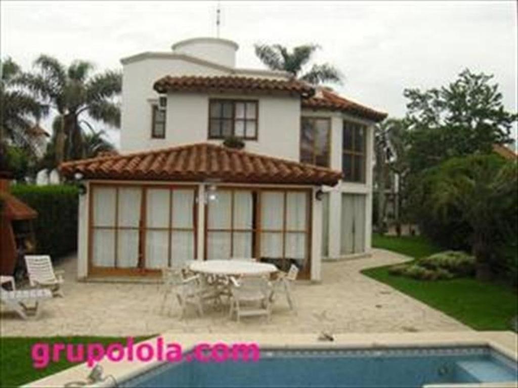 Casa en venta en country aranjuez aranjuez argenprop for Inmobiliaria 2b aranjuez
