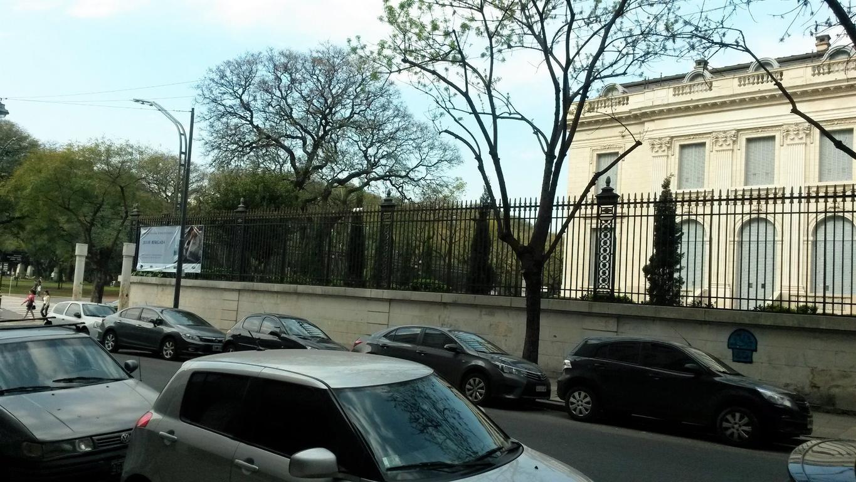 DUEÑO VENDE EXCELENTE DEPARTAMENTO RECICLADO CON GRAN VISTA