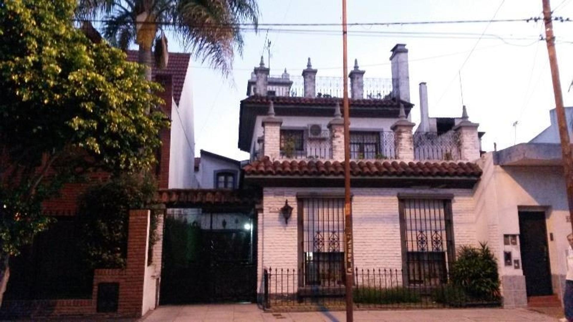 CASONA EXCLUSIVA 5 AMBIENTES ESTILO MORISCA ESPAÑOLA