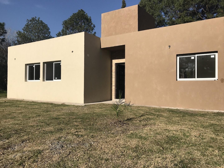 Casa en venta 4 amb a estrenar en Altos de San Vicente