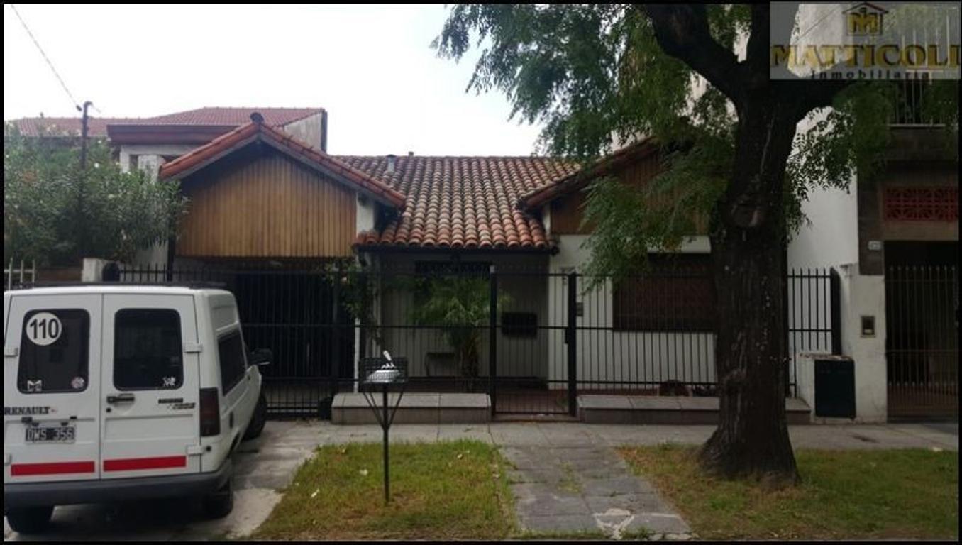 Hermosa Casa 3 ambientes con Garaje pasante para 4 autos