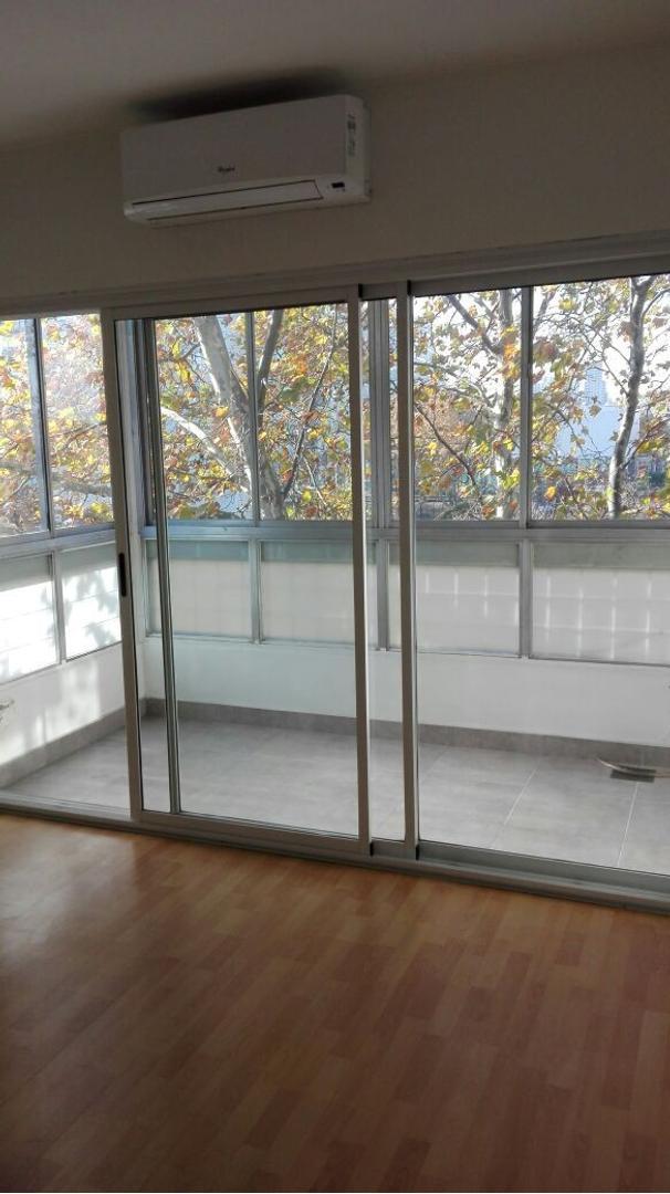 Excelente departamento de 3 amb y balcón cerrado