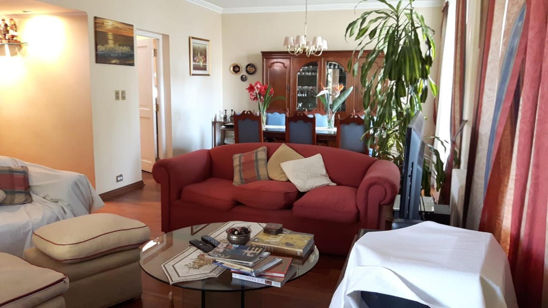 Casa - 450 m² | 4 dormitorios | 20 años