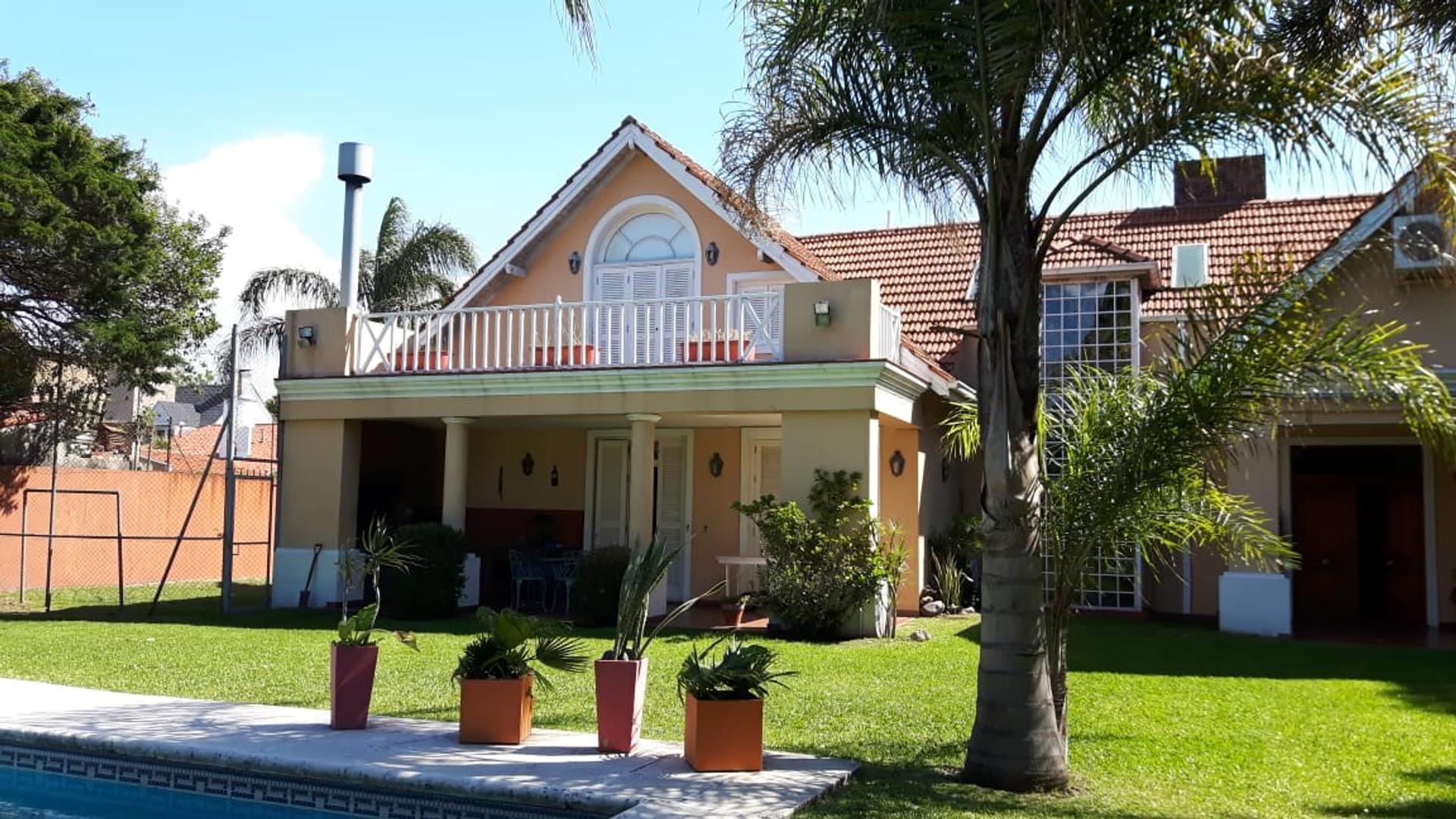 Casa en Venta en Olivos - 7 ambientes