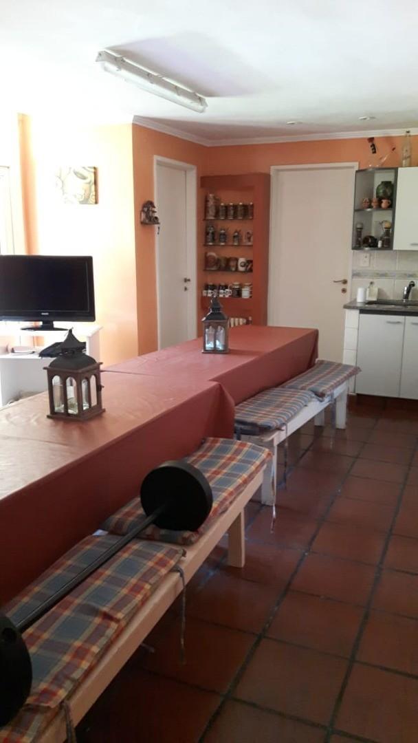 Casa en Olivos con 4 habitaciones