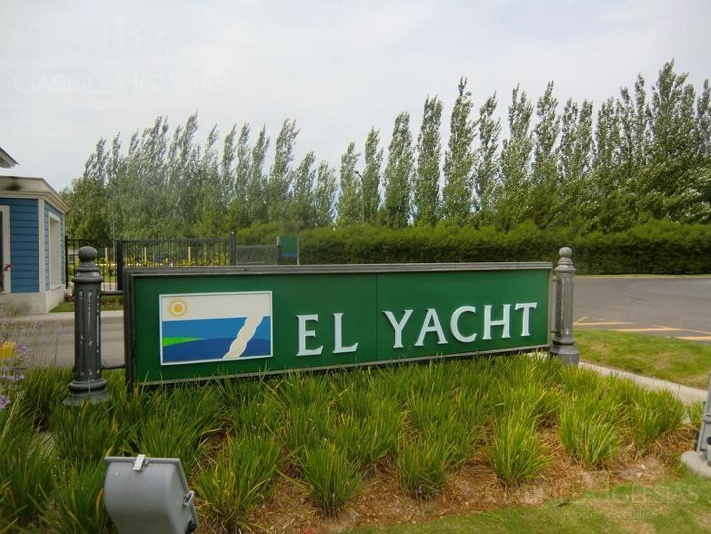 Lote 50% contado y 50% financiado en El Yacht