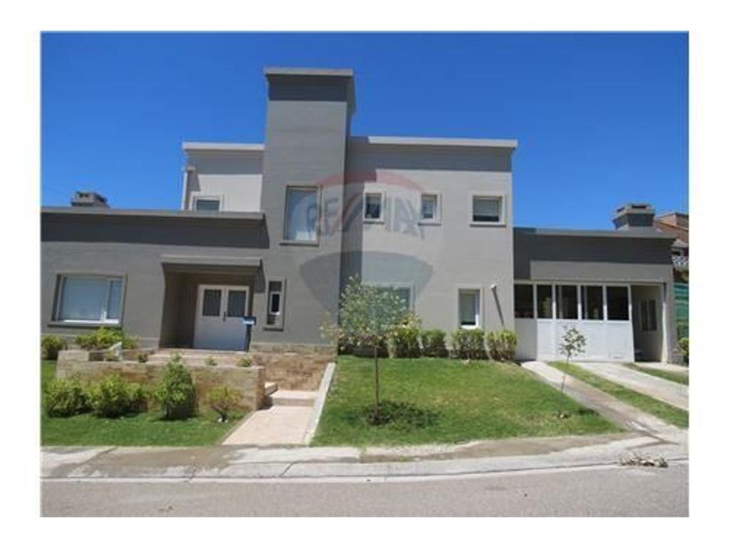 Casa en alquiler en barrio bocahue 0 neuquen argenprop for Casa de diseno en neuquen