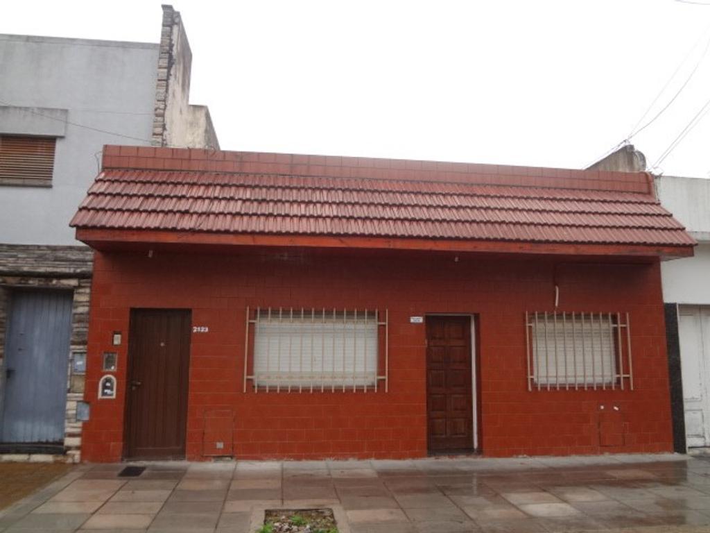 Departamento Tipo Casa En Alquiler En Pje Agente Ceferino Garcia  # Ceferino Muebles