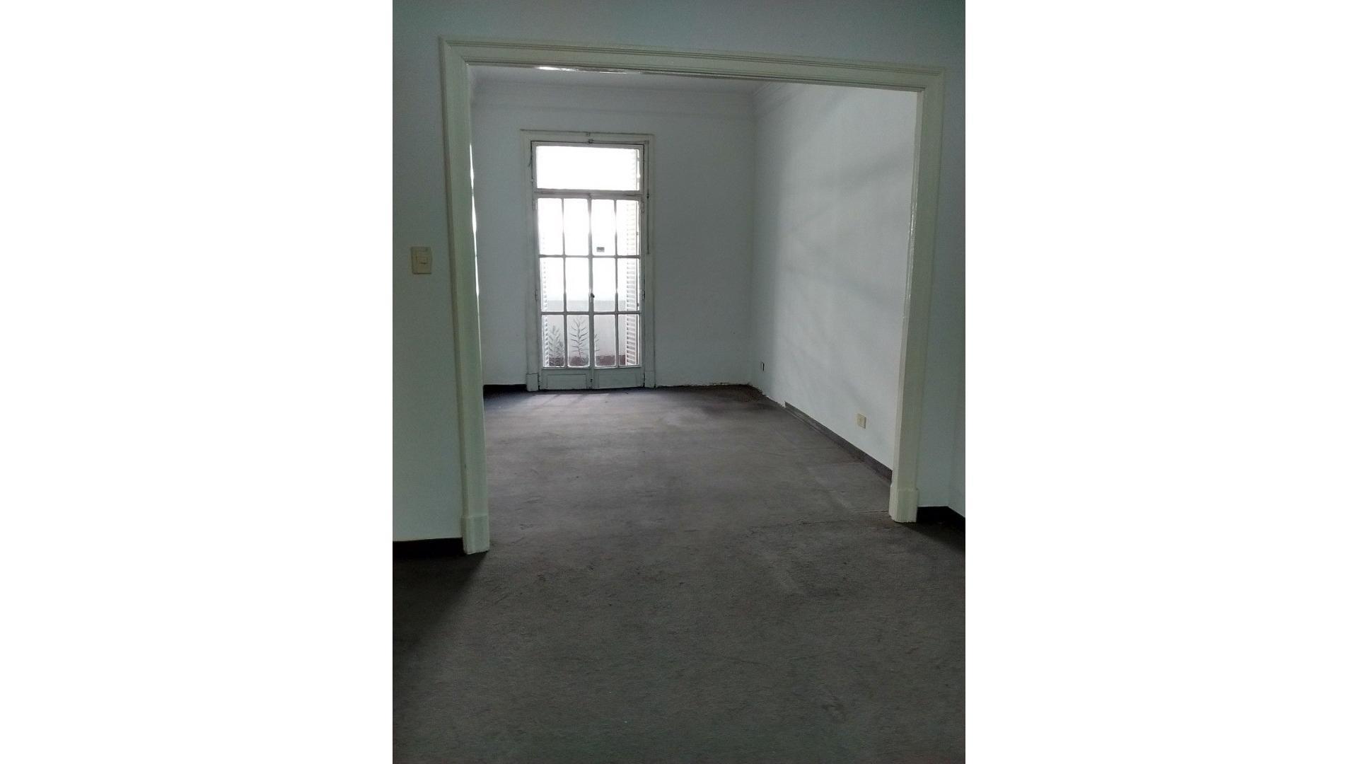 Vendo departamento de 2 amb excelente ubicación 4701-7118