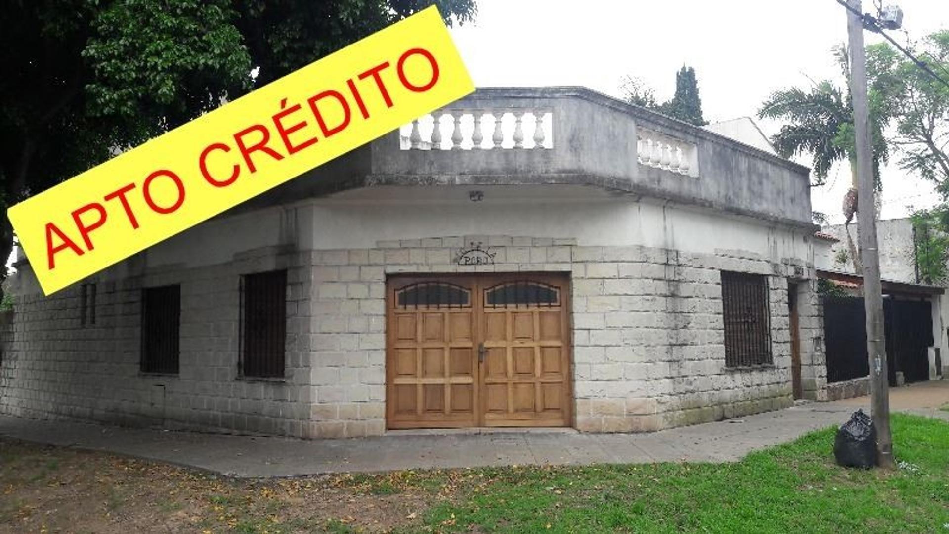 CASA 4 AMB. 2 PISOS CON COCHERA. MUY BUENO, APTO CRÉDITO.