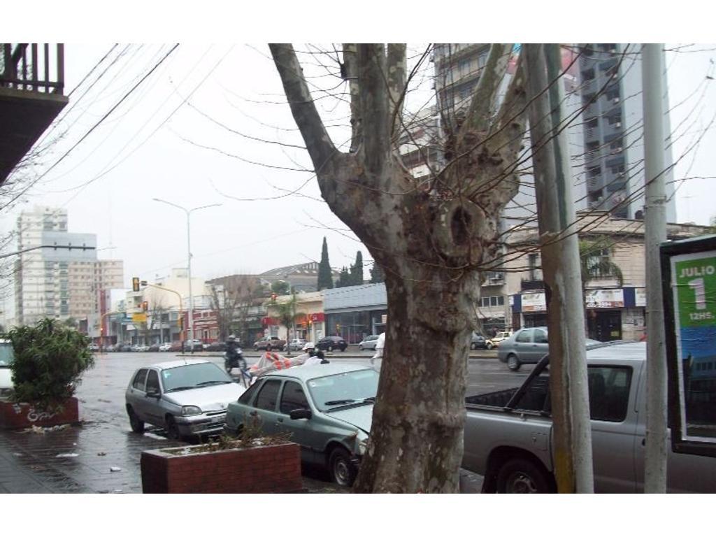 Galpón en alquiler en Avellaneda - 500 mt2 - Apto todo rubro