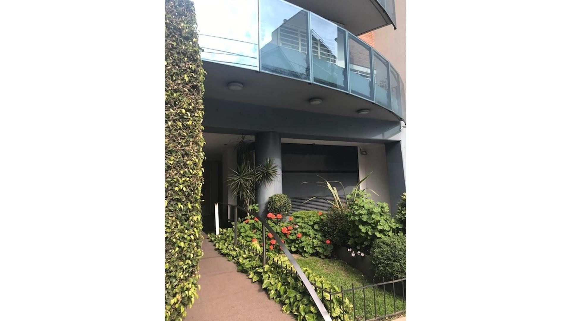 SEMIPISO CATEGORIA UNICO 4 Amb. 125 m2 COHERA FIJA CUB 18 AÑOS COC-COM LAVADERO PATIO BALCON CORRI
