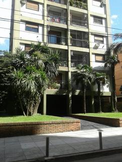 Dpto en alquiler en Vicente Lopez. Excelente ubicación, con vista a jardines