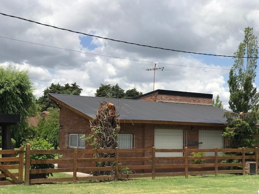 Hermosa casa en venta en Parque Irizar
