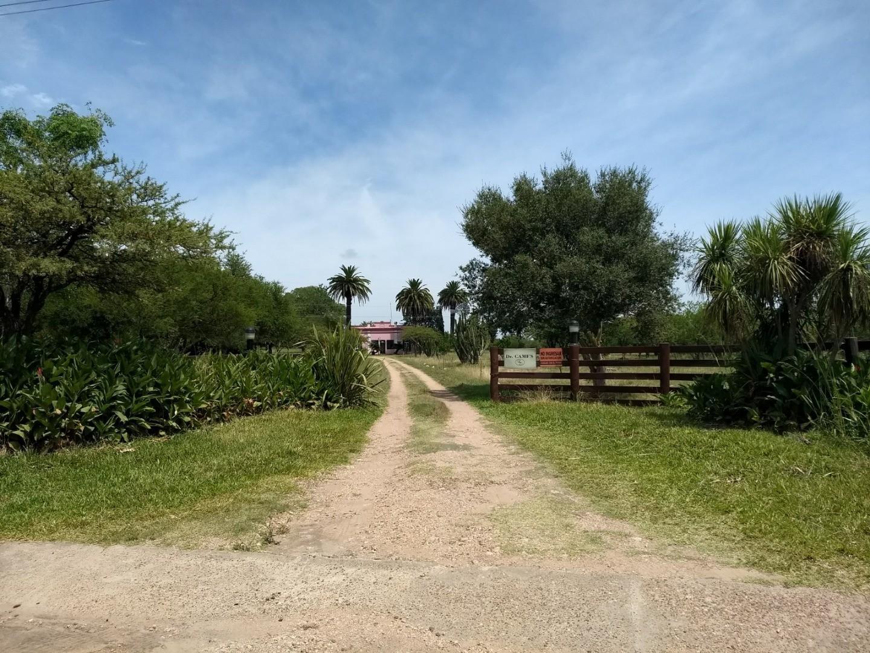 Casa quinta colonial con 3 has