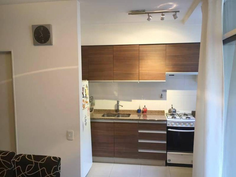 Apto Crédito - Amplio 2 ambientes de 50 m2  C/Cochera