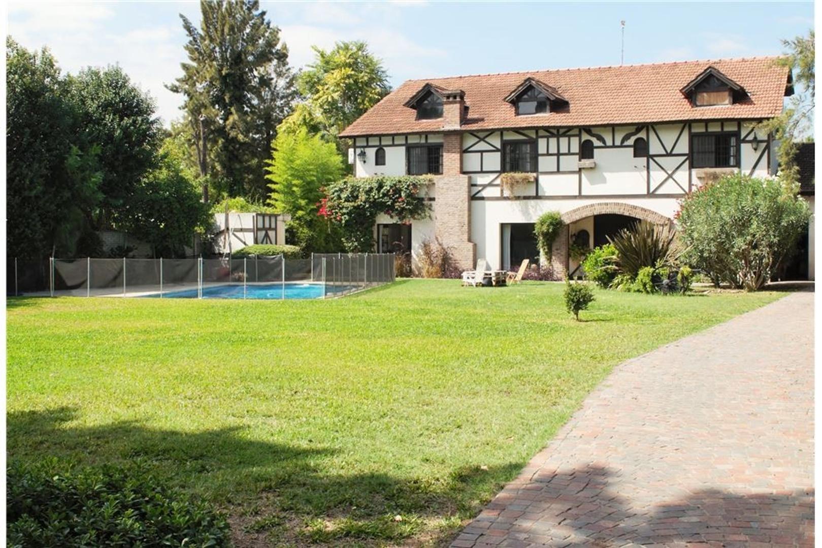 Venta casa en Don Torcuato zona Balbastro.