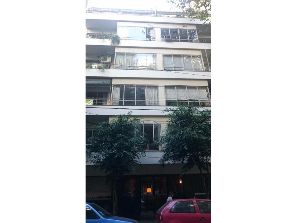 URGENTE - Vendo señorial piso en Laprida y Pacheco de Melo