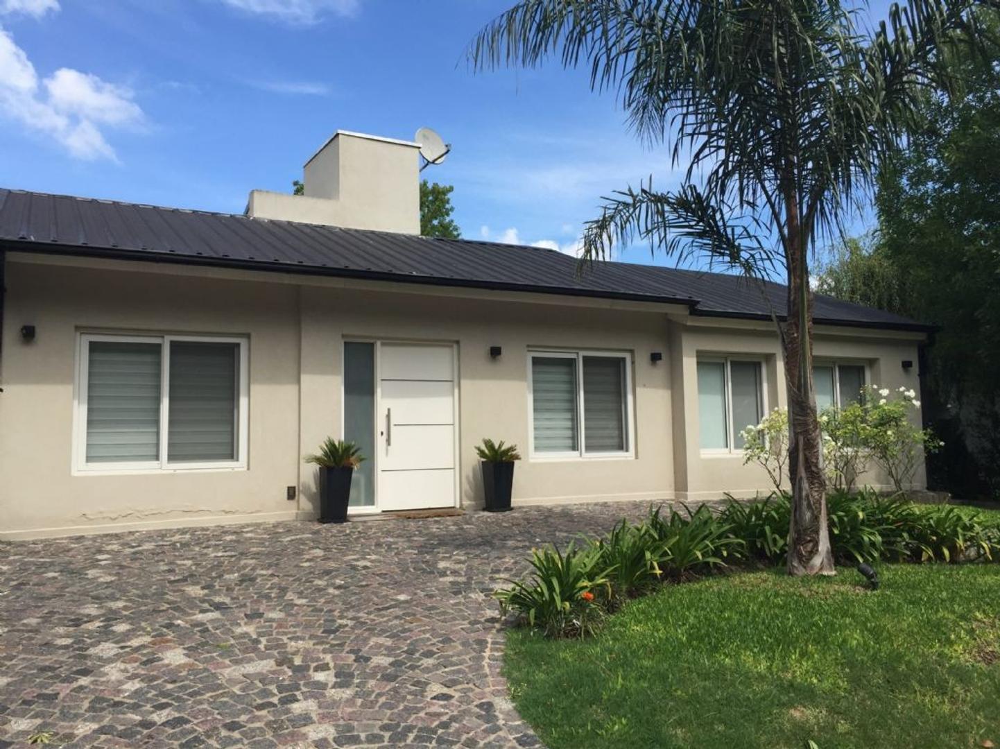 Casa  en Venta  C.C. Banco Provincia, Zona Oeste - OES0857_LP117460_1