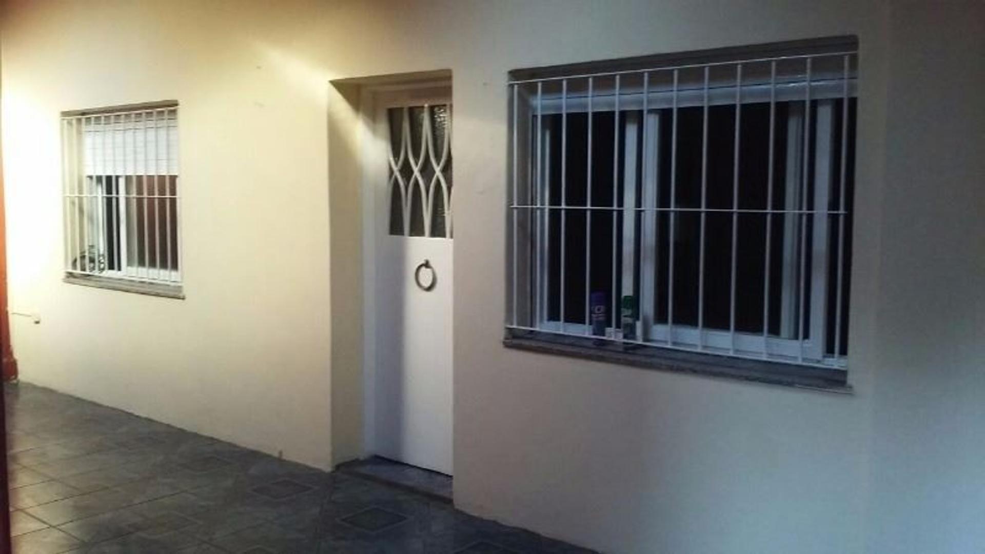 APTO A CREDITO Casa interna  3 amb en venta  por parcela. Living. 2 Dormitorios