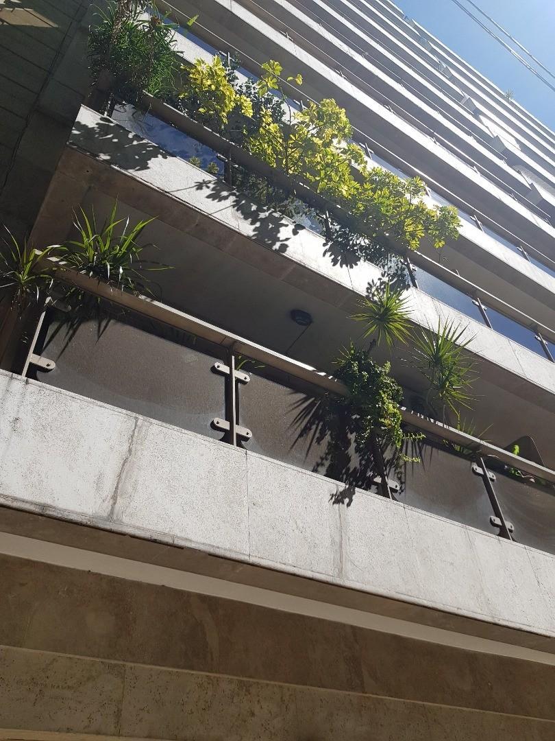 Quintana y Rod. Peña - Excelente duplex de 2 dormitorios en suite - COCHERA Fija