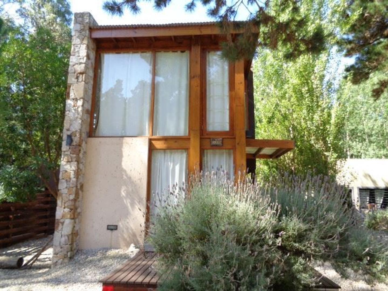 Hermosa casa a 450mts del mar y en pleno bosque.
