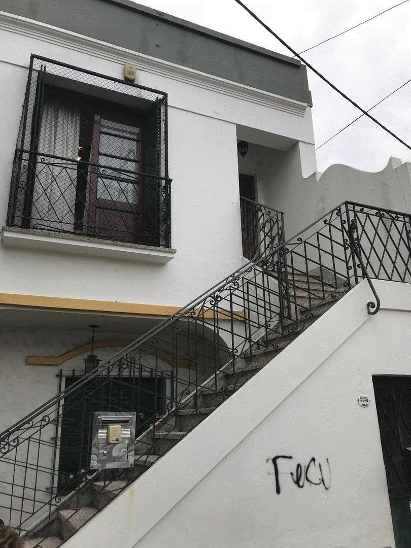 PH planta alta Carapachay  3 ambientes amplios con terraza