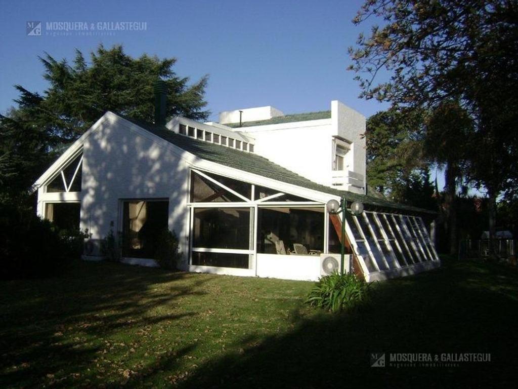 Muy Linda Casa Sobre 1.200 Mts En Campo Chico Country Club