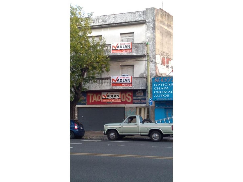 Venta edificio en block 600 m2 local y 5 departamentos en buen estado sobre lote 8.66 x 23.00