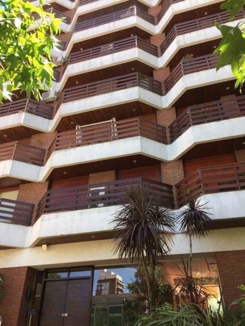 Importante departamento de 3 ambientes en Quilmes Centro