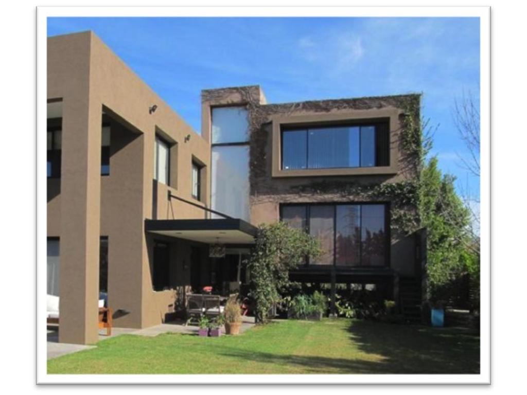 Excelente propiedad IMPECABLE diseño moderno!! RINCON DE MILBERG
