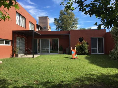 TEJAS I - Excelente Casa en Venta!! 294 Cub 408 Terreno - Impecable!