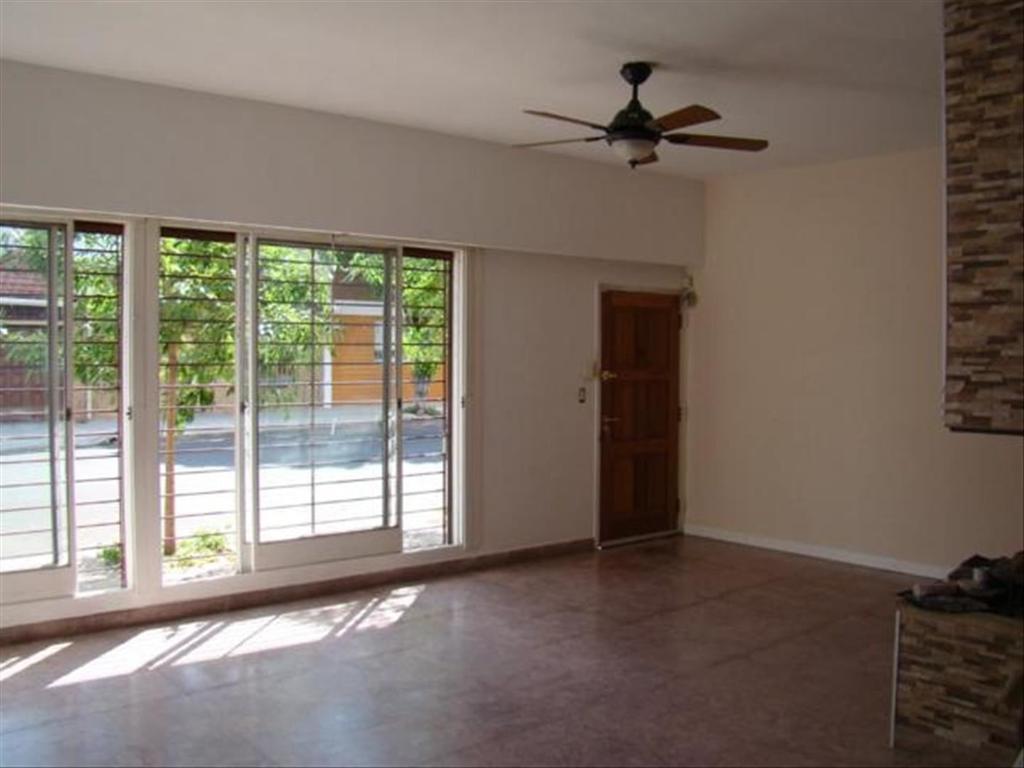 Casa en venta en andalgala 2630 mataderos argenprop for Casa de azulejos en capital federal