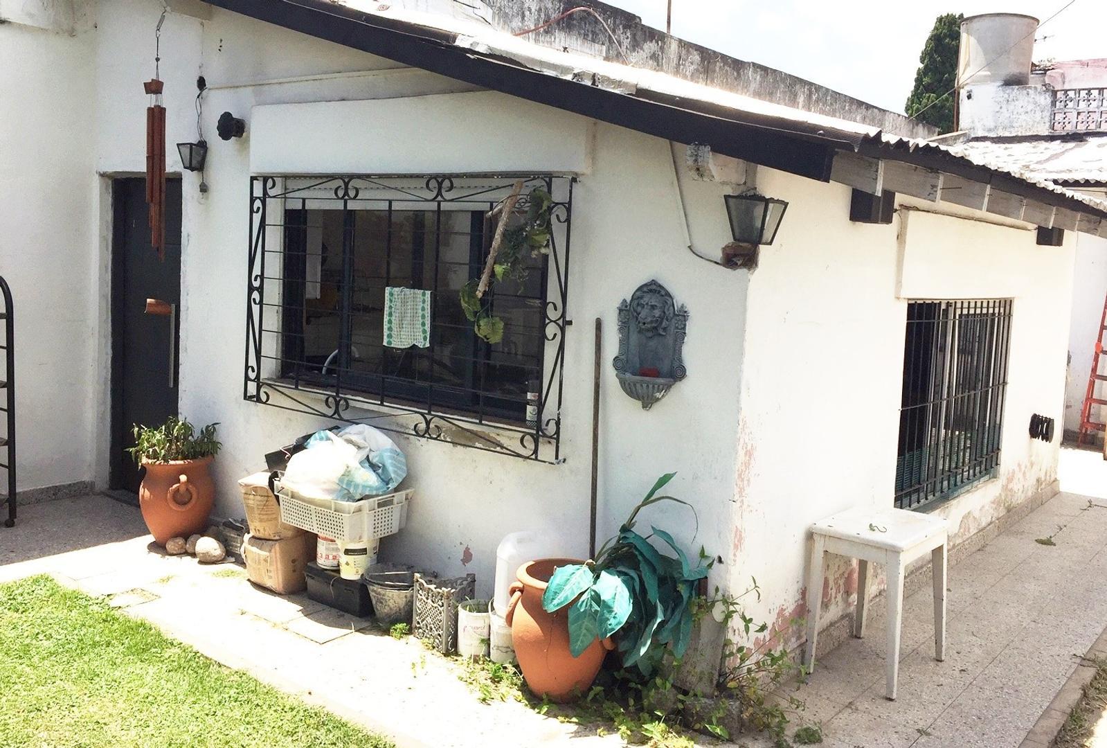 Casa en Venta en Barrio Malvinas - 5 ambientes