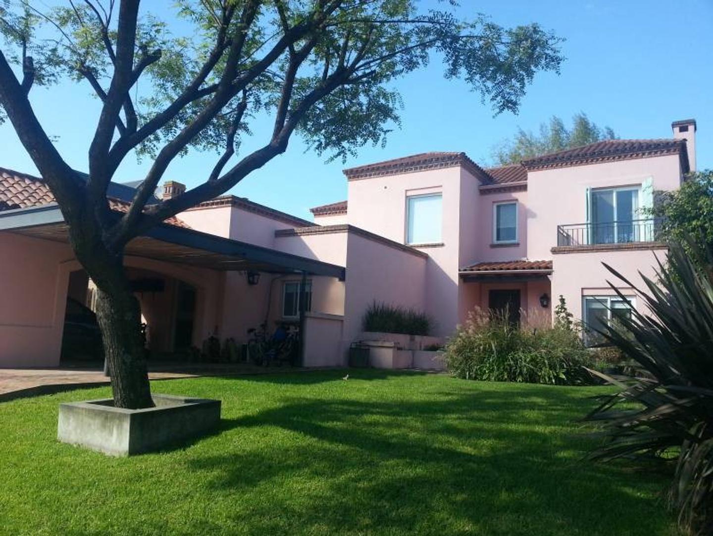 VENTA Casa en Santa Bárbara IMPECABLE