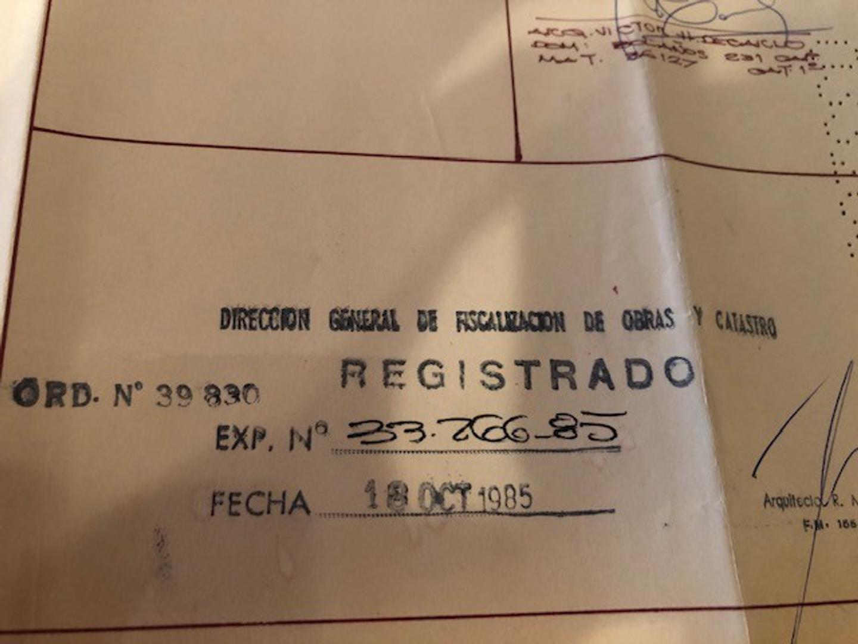 MAGNIFICA CASA CON AMPLIO JARDÍN, PILETA Y COCHERA A METROS DE PEDRO GOYENA!! - Foto 17